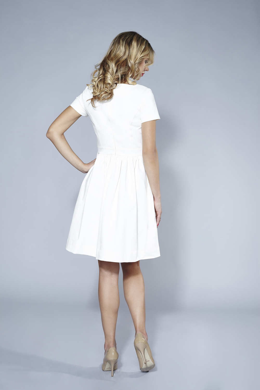 ab909caea4 Kremowa rozkloszowana sukienka Baby Blue mini by Swing SWING FASHION ...