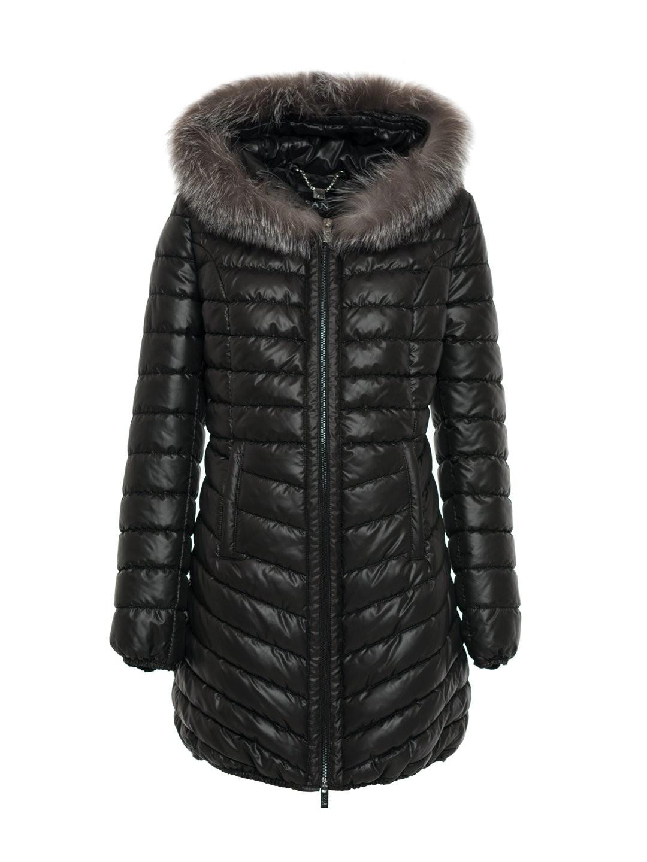 64bf2f07c9114 Czarna pikowana kurtka z naturalnym futrem na kapturze SWING FASHION ...