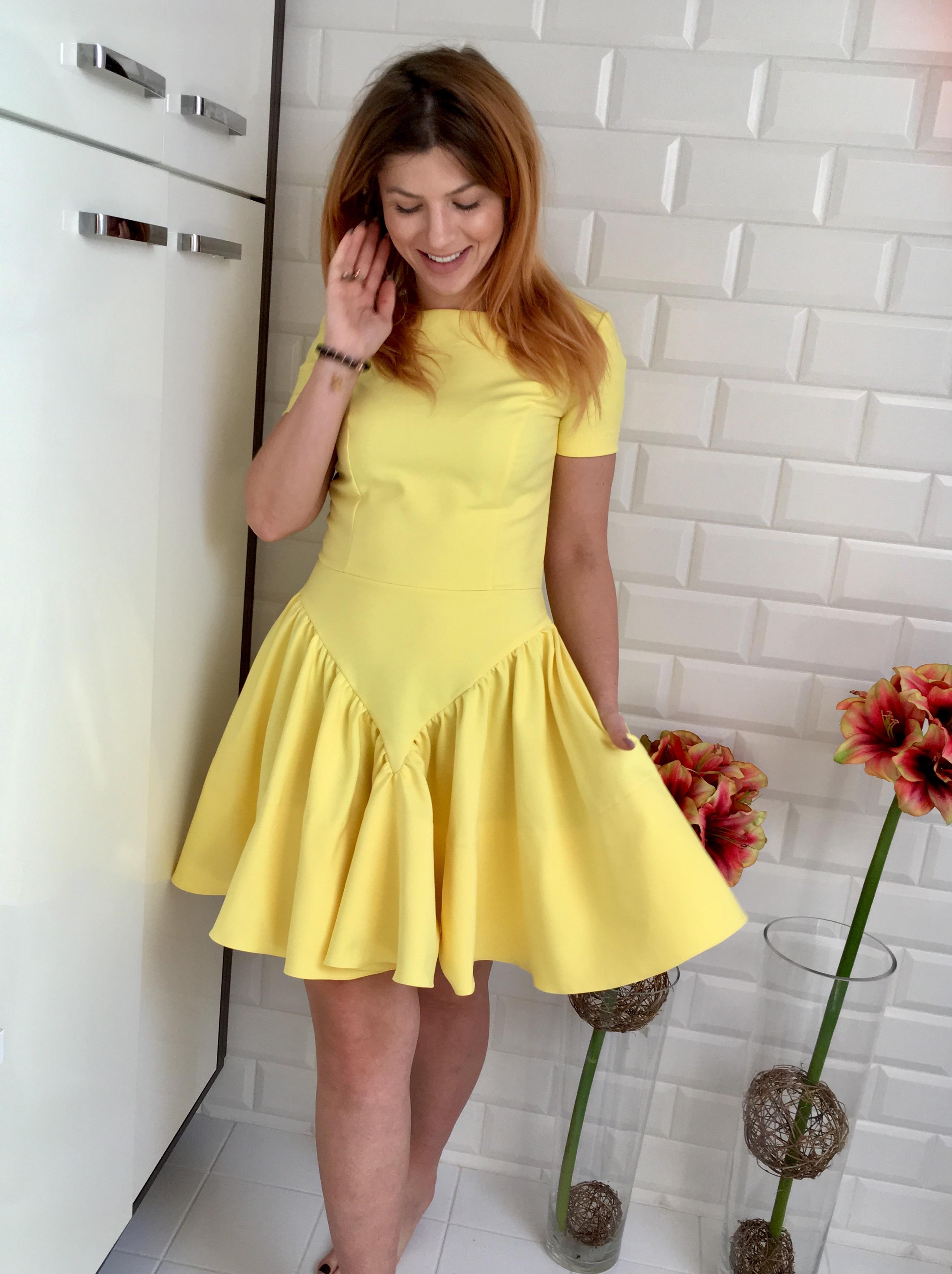 e4e1fe7762 Żółta rozkloszowana sukienka FLOWER z krótkim rękawem by Swing.  IMG 3544.jpg. IMG 3544.jpg · IMG 3551.jpg
