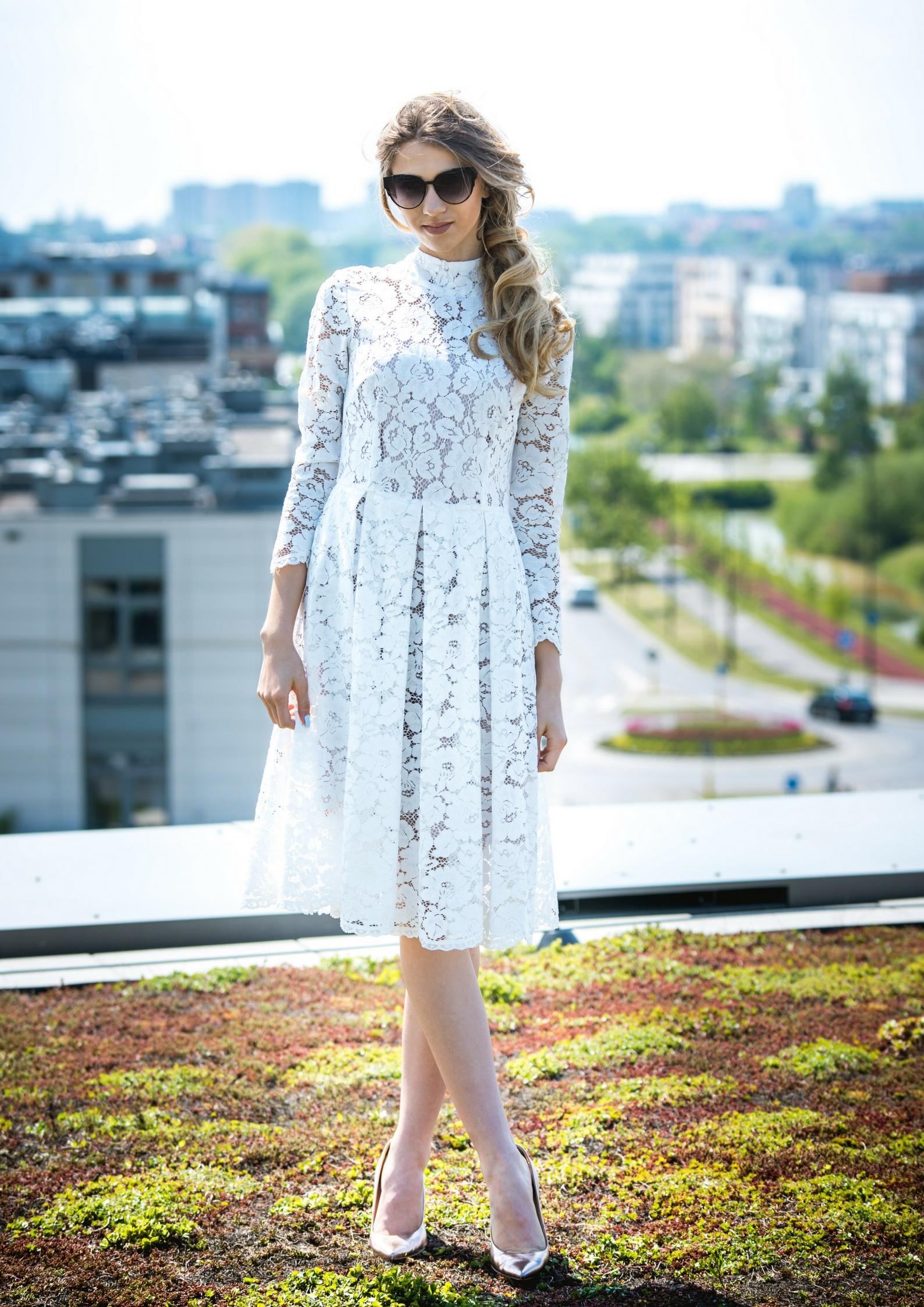 e5f60deab4 Biała koronkowa sukienka Kornelia by Swing SWING FASHION STORE
