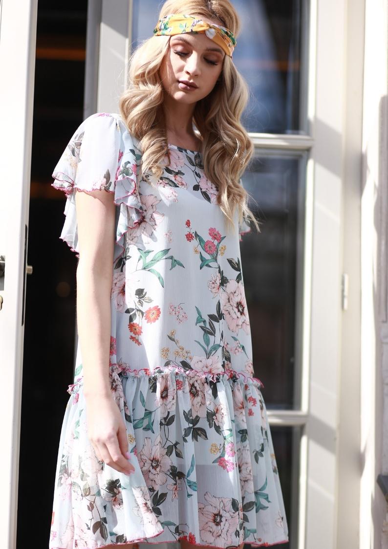 fcab98d6 Błękitna szyfonowa sukienka w kwiaty Mia by Swing