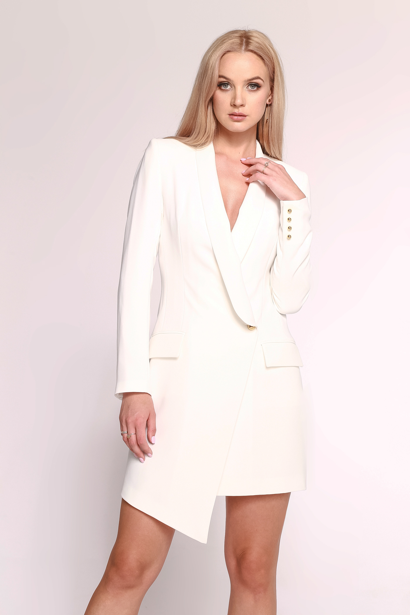 Biała Sukienka O Kroju Marynarki Blanca By Swing